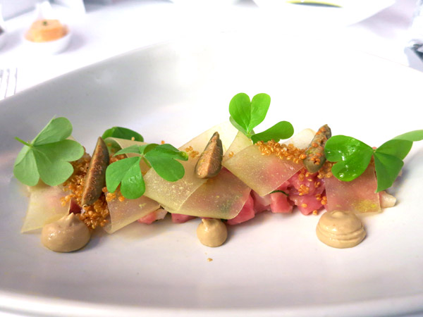 Veal tartare topped with a ribbon of green apple at Onyx