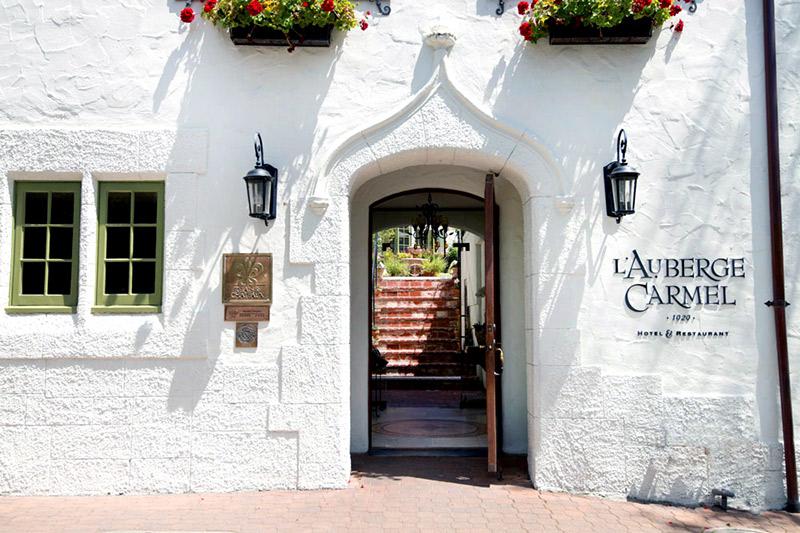 L'Auberge Carmel entrance