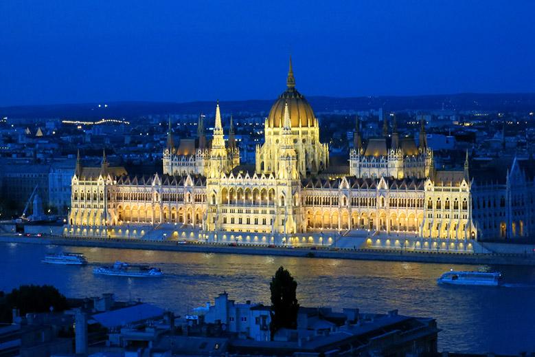 Four Seasons Gresham Palace Luxury Hotel In Budapest Hungary