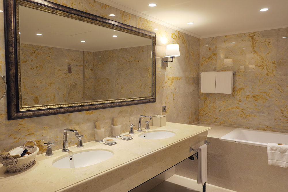 The bath of our Ambassador Suite at the Ambassadori hotel