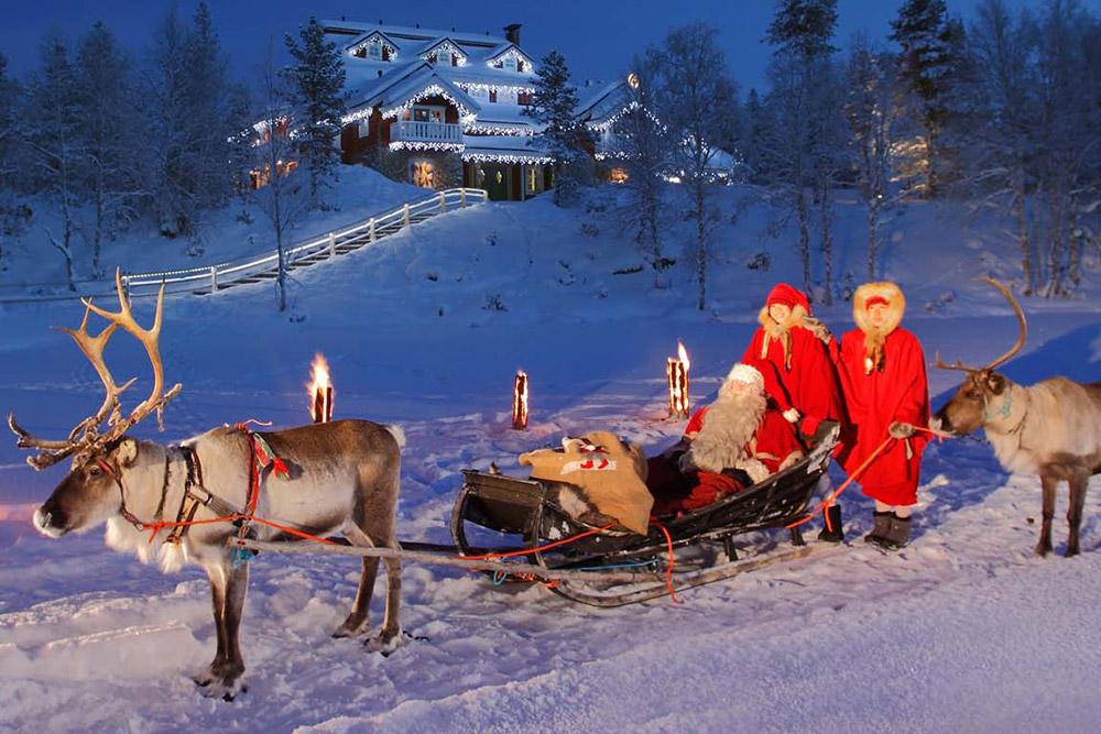 Santa's Home at Kakslauttanen