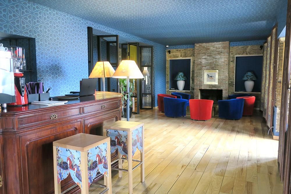 The bar lounge at Hotel Erekle II