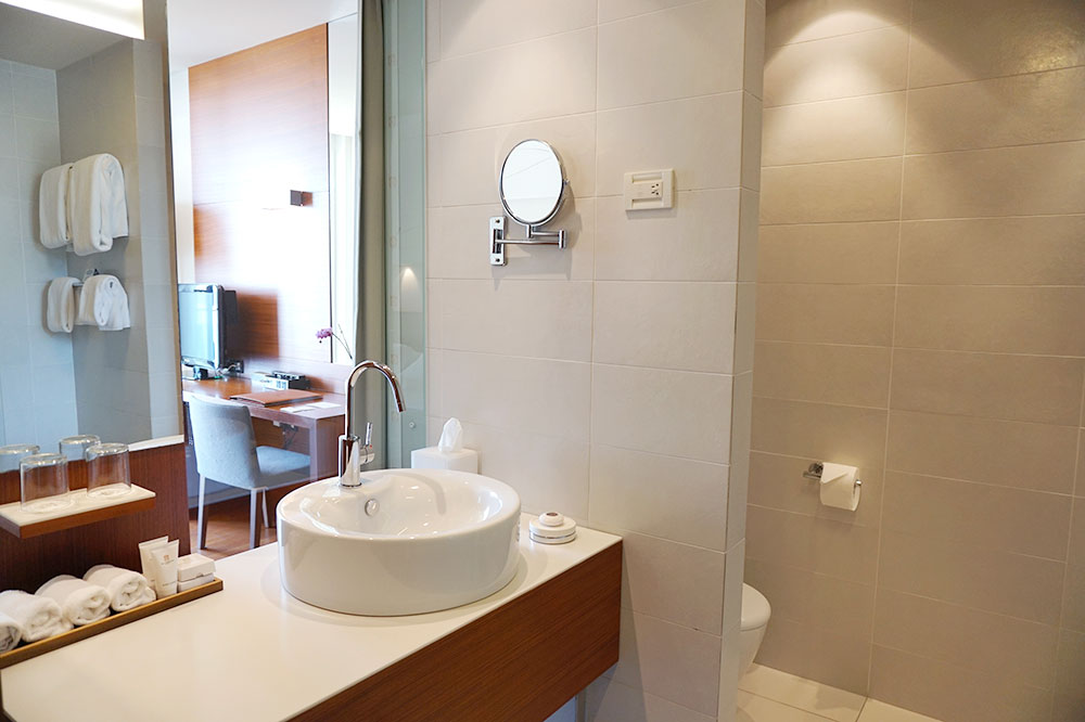 The bath of our Standard Suite at Villa Dubrovnik