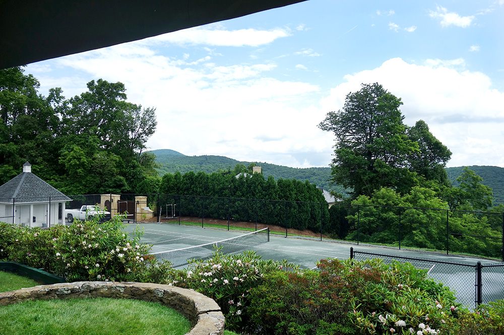The view of the tennis court at Westglow Resort & Spa in Blowing Rock, North Carolina - Photo by Hideaway Report editor