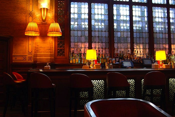 Sequestered In A Quiet Corner Of Grand Central Terminal The Campbell Apartment Is Wonderful Glimpse Old New York And Welcome Respite From Frenzy