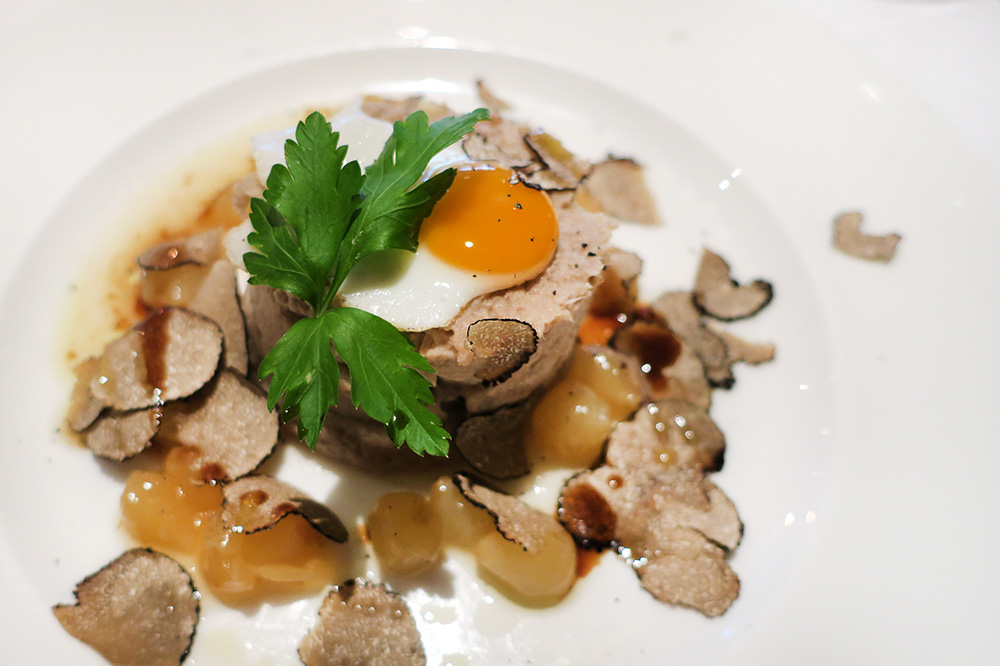 White Labskaus: ground veal with a quail egg, pickled onion and shaved black truffle from <em>Casse-Croûte</em> in Hamburg, Germany    - Photo by Hideaway Report editor