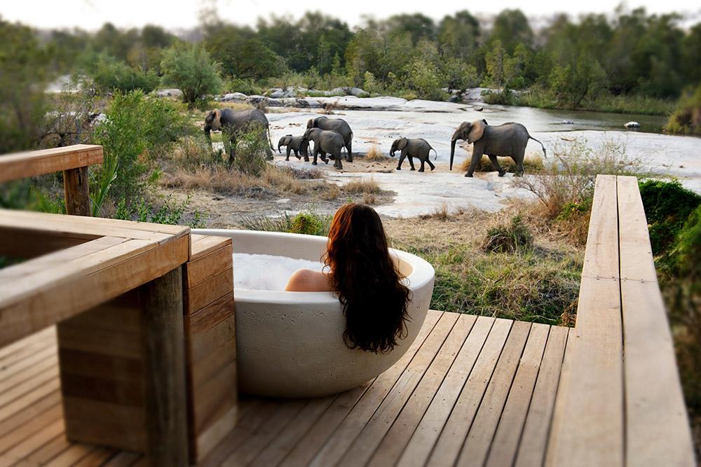 Granite Suites with outside riverview bath, Londolozi Private Game Reserve