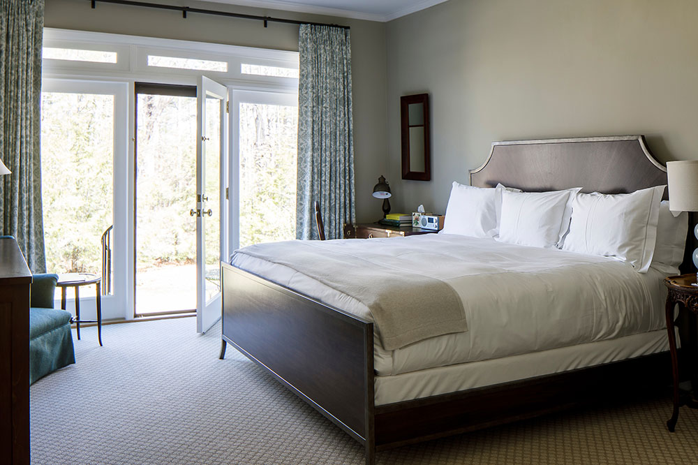 A Deluxe King room in the Carriage House at Blantyre