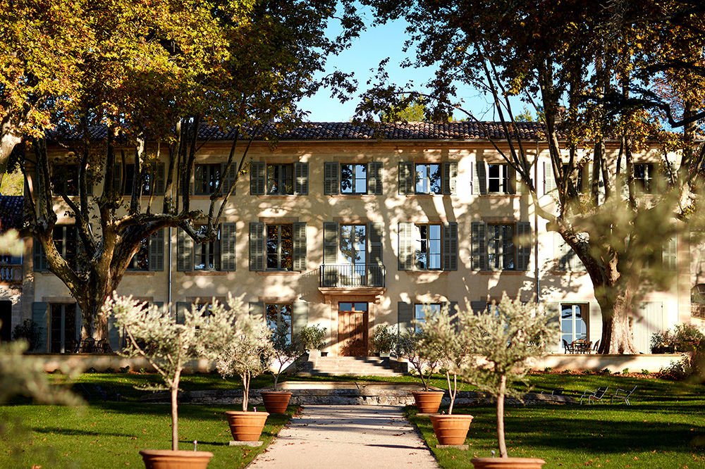 The exterior of Domaine de Fontenille in Lauris, France