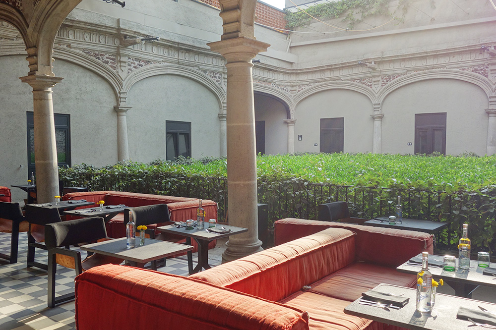 A lounge area at Downtown Mexico - Photo by Hideaway Report editor