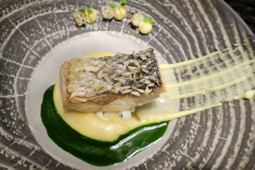 Sea bass with cuttlefish rosettes, lemon cream, potato-garlic cream and purée of chard and parsley from <em>Restaurant 360°</em>