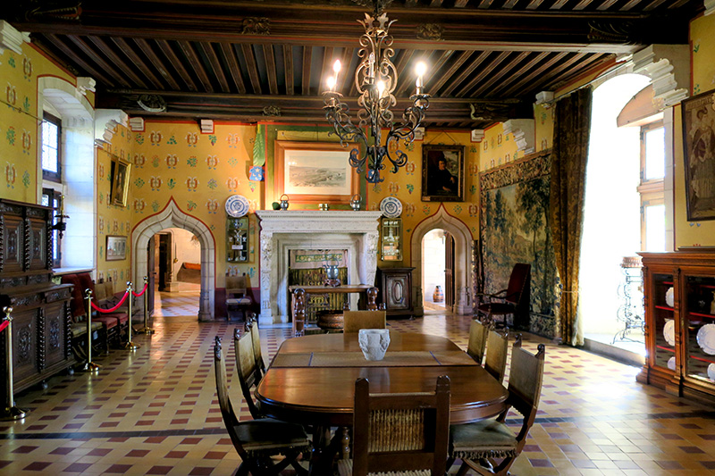 Dining room at Château de la Rochepot - Photo by Hideaway Report editor