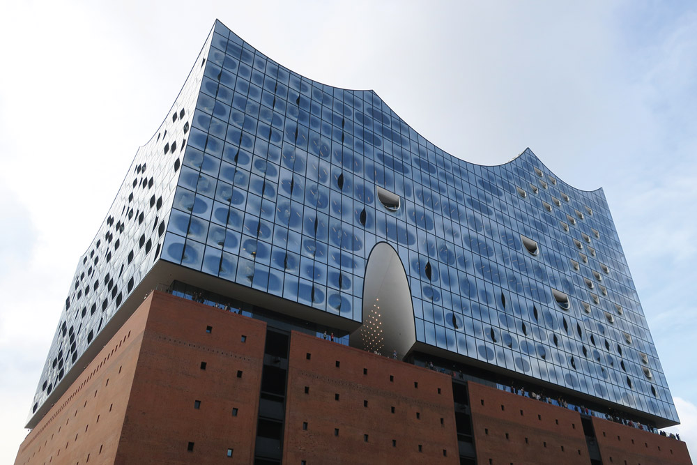 Exterior of the Elbphilharmonie and Westin Hamburg - Photo by Hideaway Report editor