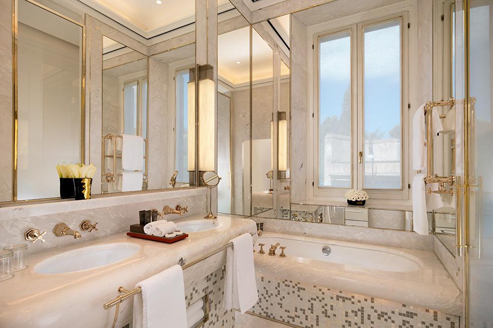 A bath at Hotel Eden in Rome
