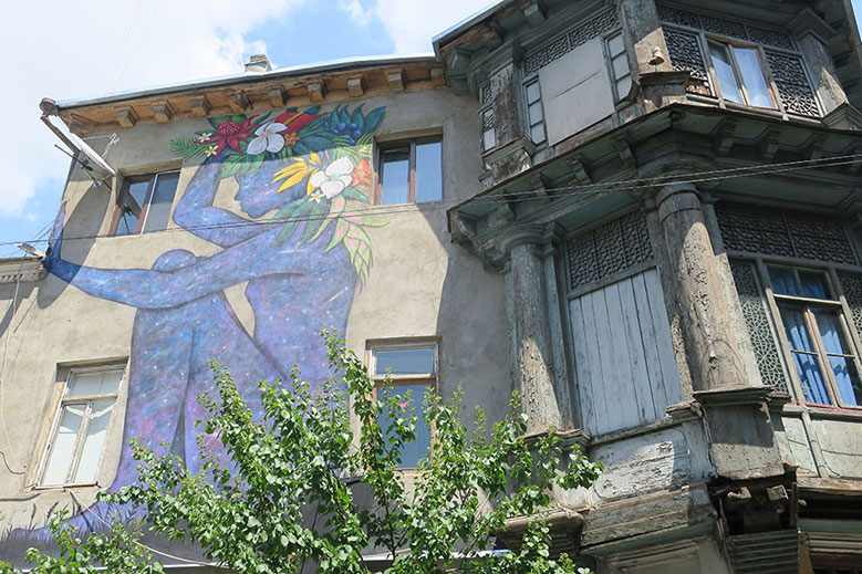 Crumbling Buildings, Hidden Courtyards: A Fascinating Tour of Tbilisi