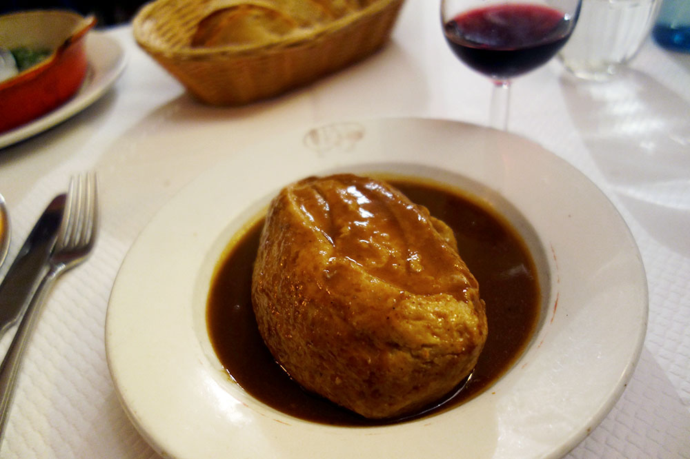 Quenelles de brochet from <em>Le Garet</em>