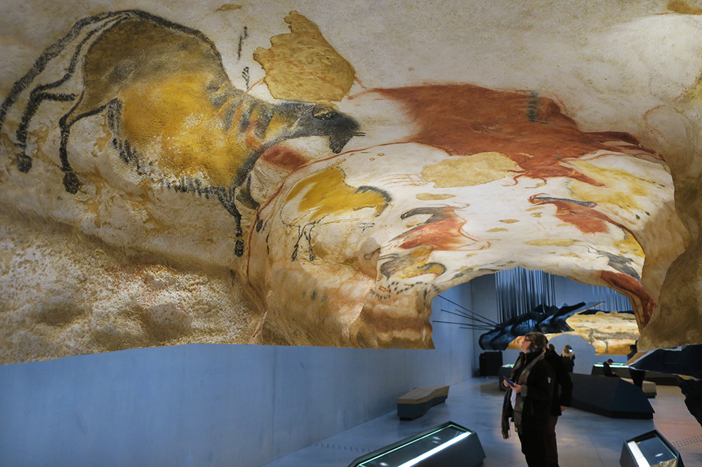 Replicas of cave drawings presented at Lascaux IV - Photo by Hideaway Report editor