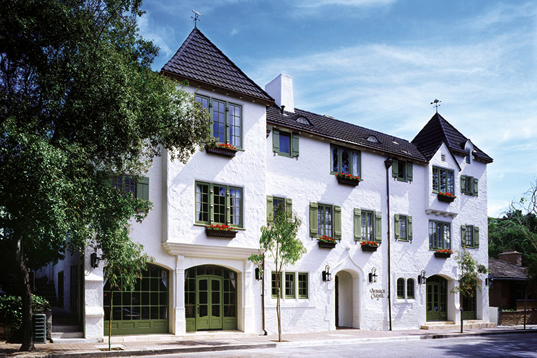 L'Auberge Carmel: A Captivating Inn