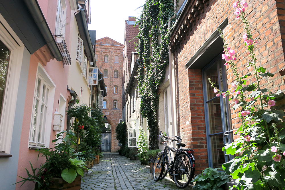An alleyway in Lübeck, Germany