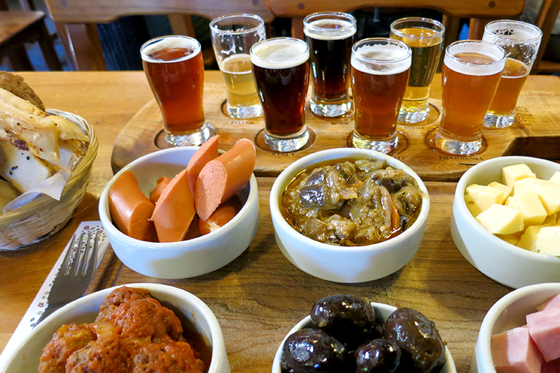Our appetizer platter and beer flight at Cerveceria Blest- Photo by Hideaway Report editor