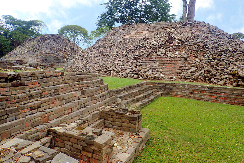 Rubble and reconstructed sections of the ancient Mayan ruins at Lubaantun - Photo by Hideaway Report editor