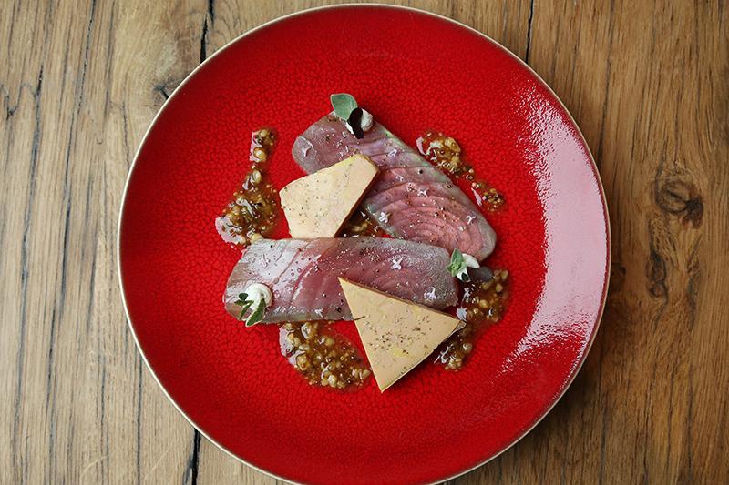 Smoked tuna with foie gras at Garopapilles
