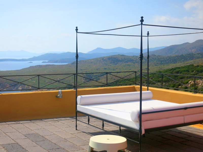 Daybed at Faro-Capo Spartivento, overlooking the Sardinian coast - Photo by Hideaway Report editor