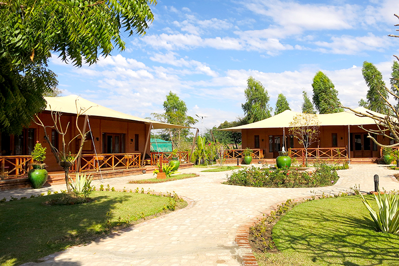Brick bungalows at Bagan Lodge - Photo by Hideaway Report editor
