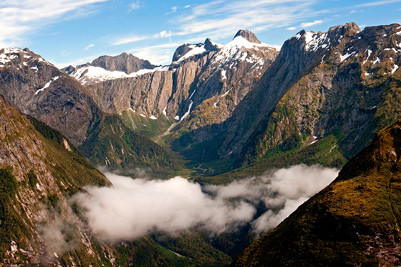 View from the Mackinnon Pass along the Milford Track