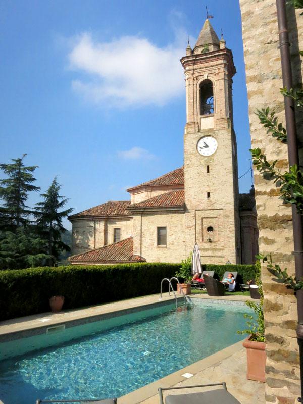 Pool at Hotel Castello di Sinio