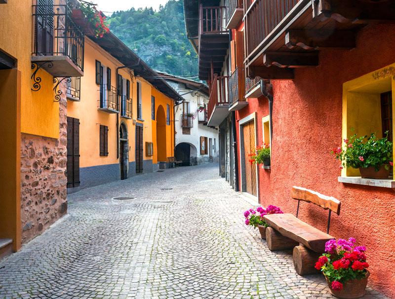 Quiet street in Cuneo