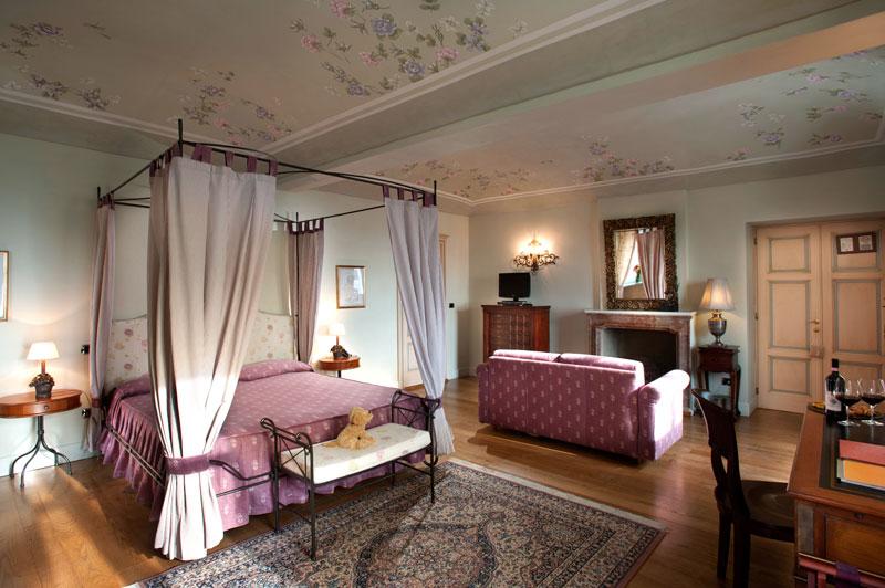 Suite in the main villa at Villa Tiboldi