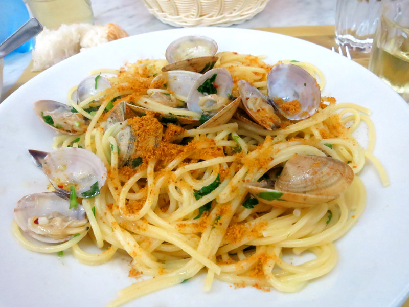 Spaghetti with clams and bottarga crumbs at <i>Trattoria Lillicu</i> - Photo by Hideaway Report editor