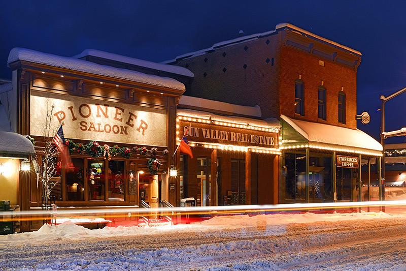 <i>Pioneer Saloon<i> in downtown Ketchum - Courtesy of Visit Sun Valley © Tory Taglio