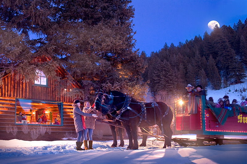 Sleigh ride from Sun Valley Inn to <i>Trail Creek Cabin</i> - Courtesy of Sun Valley Resort © Kevin Syms