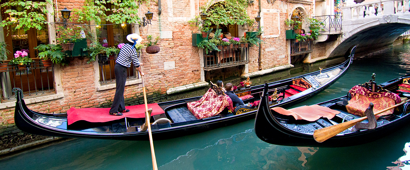 651a89a638d Lure of the Venice Gondolier