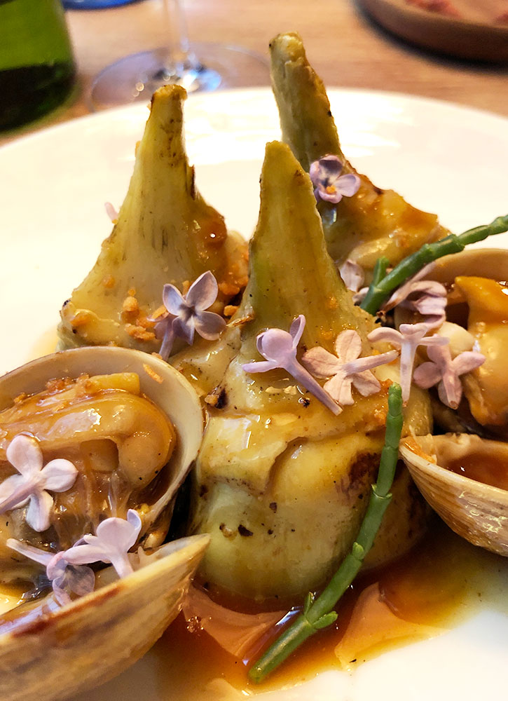 Artichokes and clams from <em>Bistronómika</em> in Madrid - Photo by Hideaway Report editor