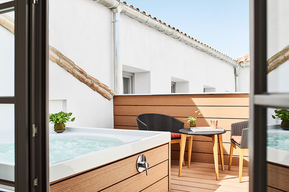 The hot tub on the terrace of the Meller Suite at Gran Hotel Inglés