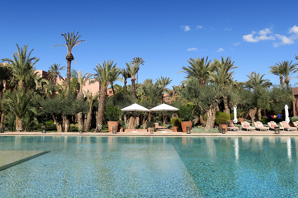 The outdoor pool at Royal Mansour