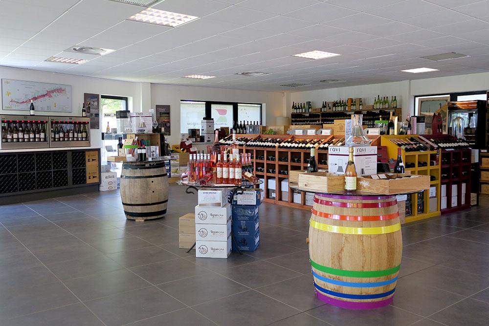 Tasting room and shop at Millésimes à la Carte