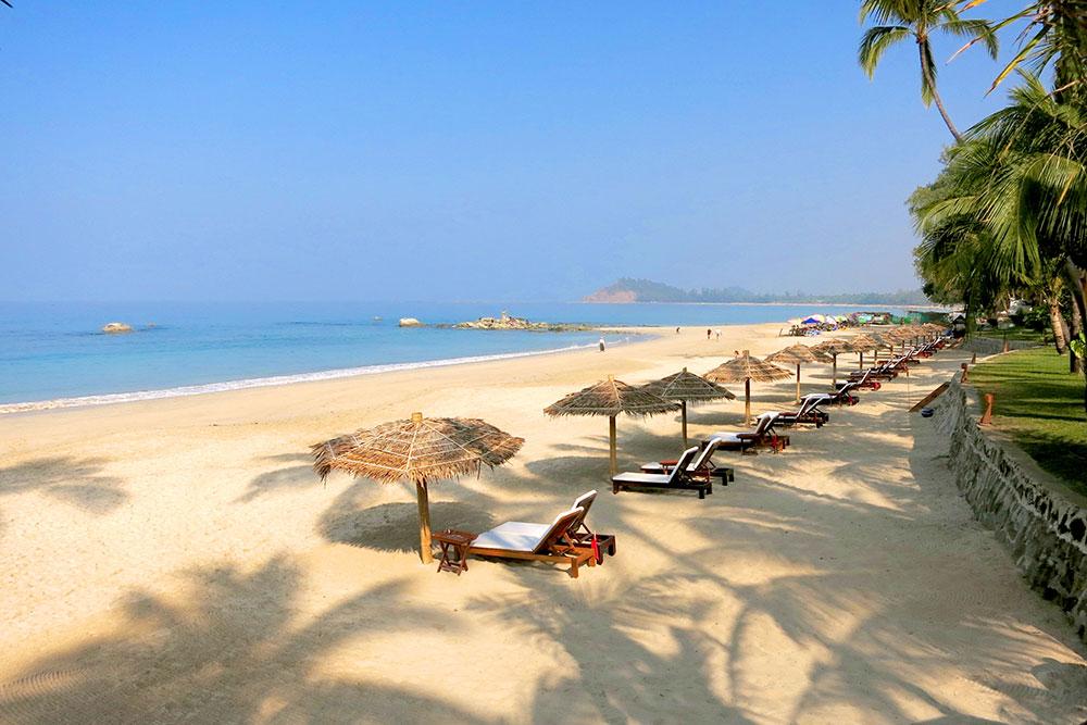 Beach at Ngapali Bay Villas & Spa