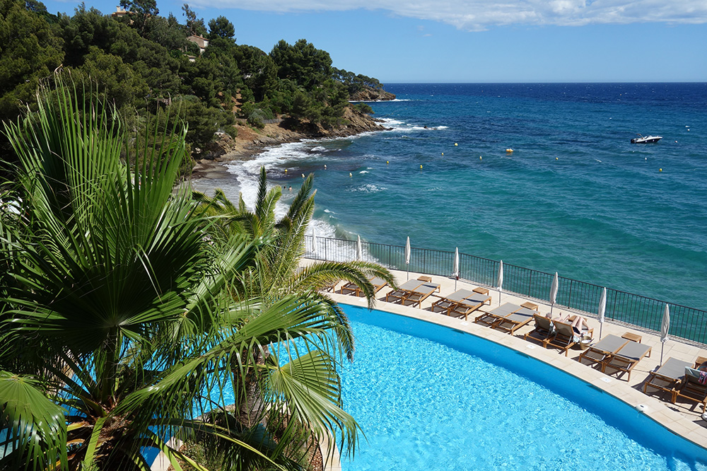 The pool at Le Bailli de Suffren in Rayol-Canadel-sur-Mer, France - Photo by Hideaway Report editor