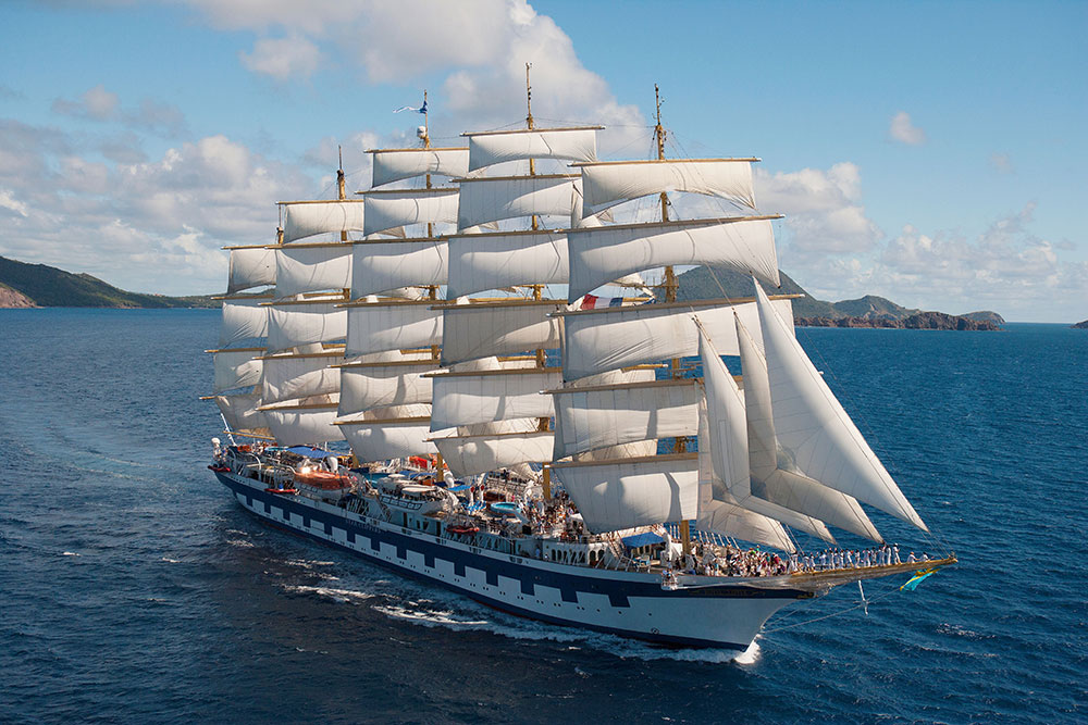 The <em>Royal Clipper</em> on the Panama Canal