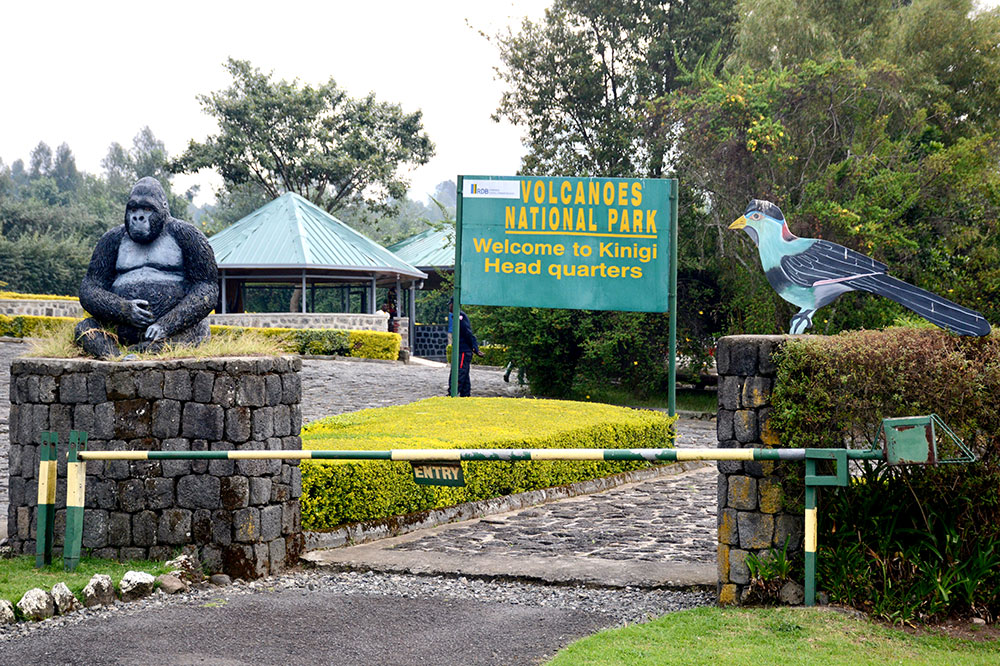 The entrance to Volcanoes National Park