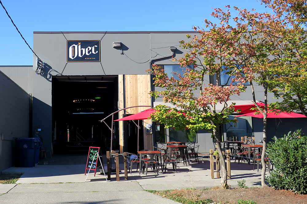 The exterior of Obec Brewing in Seattle