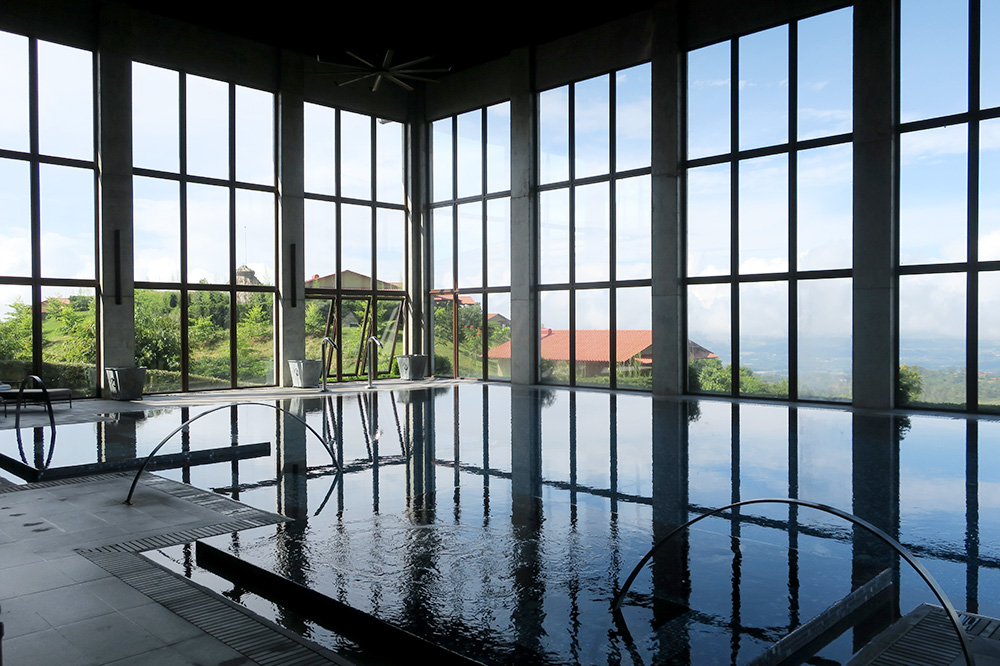 The spa pool at Hacienda AltaGracia