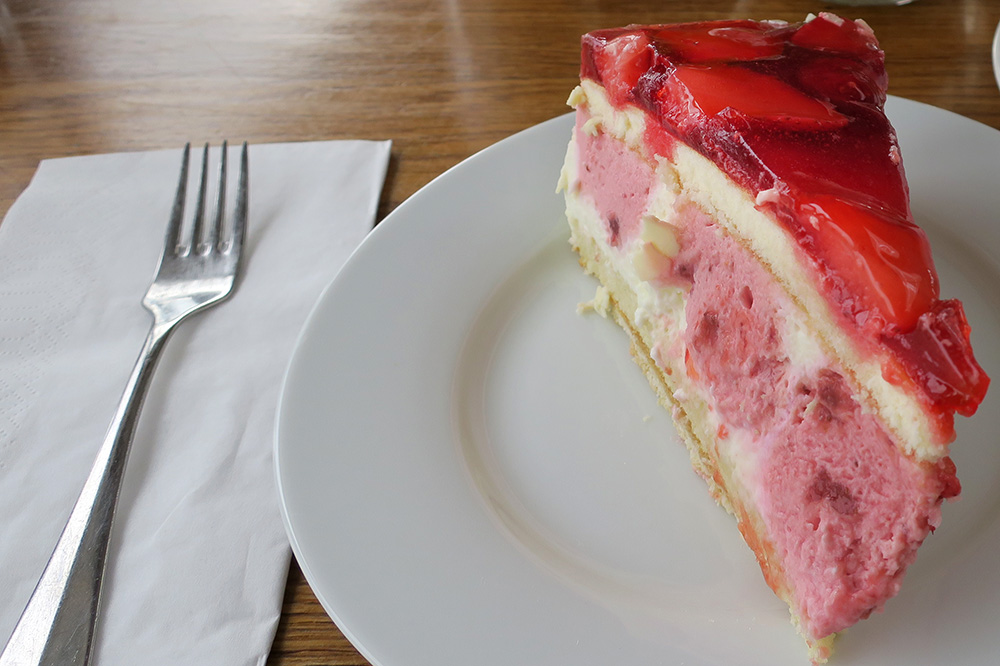 Strawberries and cream torte from <em>Engel</em>