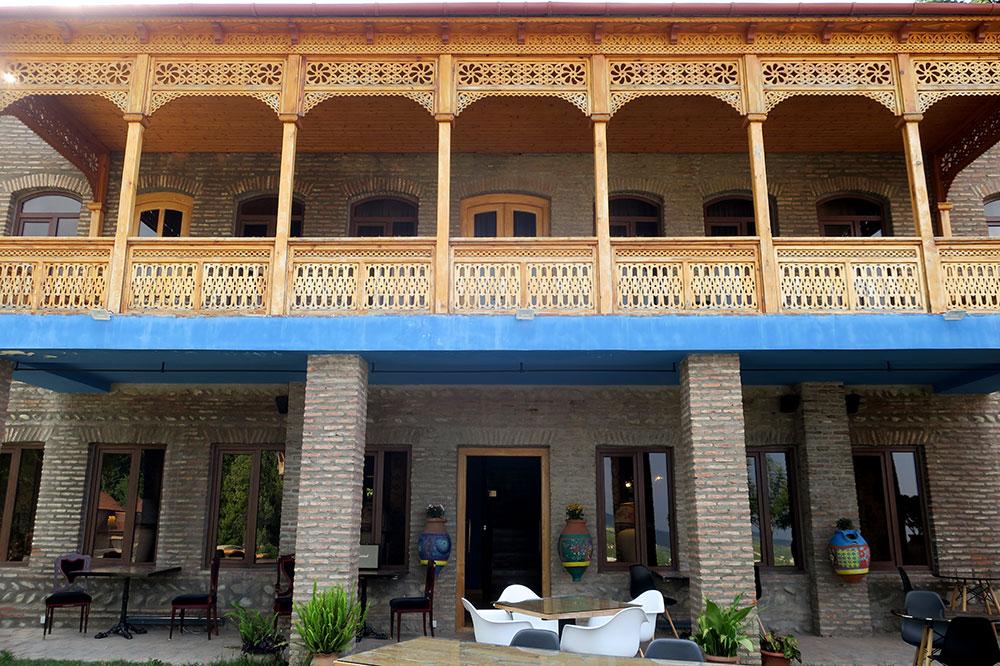 The balcony above the patio at Hotel Erekle II in Telavi