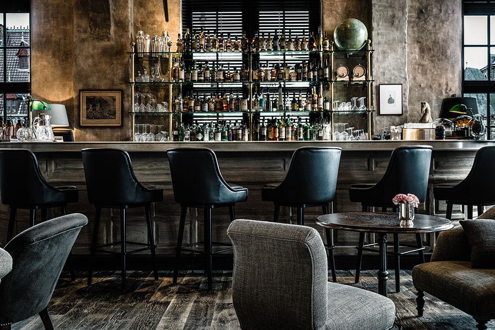 <em>The Cobbler</em>, the cocktail bar at 1898 The Post