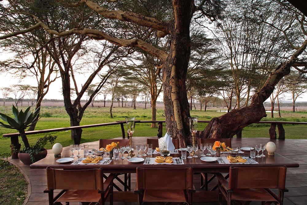Dining at Sirikoi Lodge